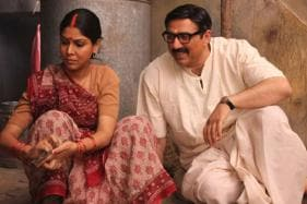 Mohalla Assi Movie Review: Astutely Mounted but Verbose and Clunky
