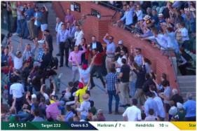 When a Fan Caught a 150 Kmph Mitchell Starc Ball in the Stands During Aus vs SA Match