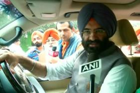 BJP Leader Assaults 1984 Anti-Sikh Riots Convict in Court, Says Sikhs Still Awaiting Justice