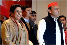Mayawati Emerges as Akhilesh Yadav's Senior Partner as SP-BSP Announce UP Seat Details