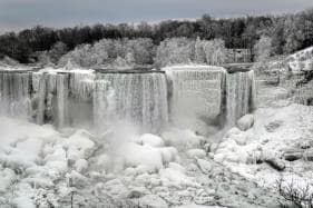 Incredible Photos Show a Partially-Frozen Niagara Falls