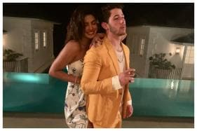 Nick Jonas Captures Wife Priyanka Chopra Swinging on a Beach in a Yellow Bikini, Watch Video