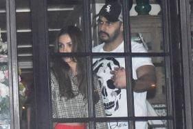 Malaika Arora & Arjun Kapoor Enjoy a Romantic Dinner Date
