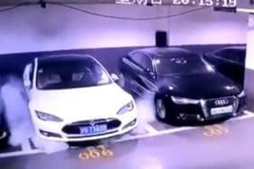 Parked Tesla Model S Catches Fire in China, Team Sent to Investigate – Watch Video