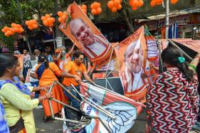 TMC, BJP to Make Final Vote Appeal Today as EC Cuts Short Campaigning in Bengal Over Poll Violence