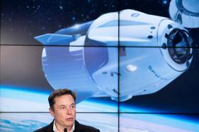 SpaceX Postpones Launch of its First 60 Internet Network Satellites