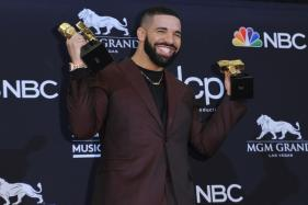 'I Want to Thank My Mom': Drake Beats Taylor Swift's Record at Billboard Music Awards
