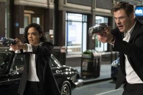 Men In Black International Movie Review: Chris Hemsworth's Charm is the Only Bait