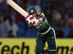No question of quitting captaincy: Younis