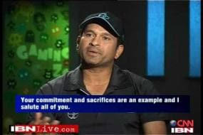 Tendulkar interacts with disabled soldiers