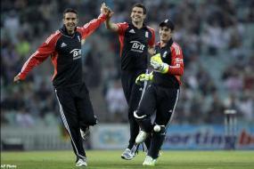 England humble Sri Lanka to win 1st ODI