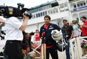 3rd Test: Ind, Eng lock horns amid riots