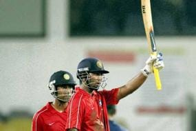 Mukund hits ton as India Red beat India Blue