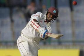 Team does not rely just on me: Chanderpaul