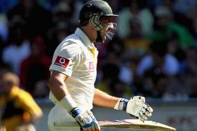Hussey's dry phase continues, the wrong way