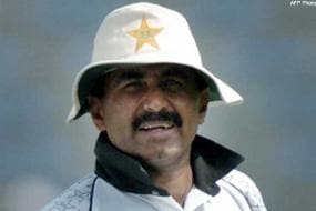 There is no role for cricket coaches: Miandad