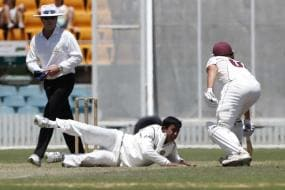 India chase leather on first day of warm-up