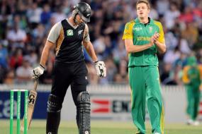 SA beat NZ by 6 wickets, seal ODI series