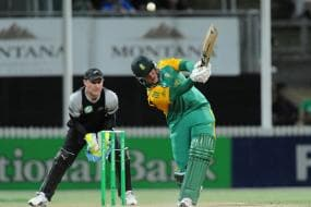 Somerset sign big-hitting Levi for T20