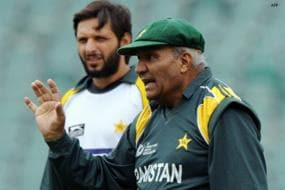 Alam entrusted with task to convince Qadir