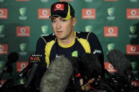 Clarke demands better from sliding Australia