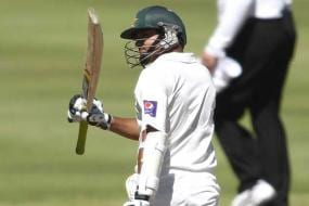 2nd Test: Azhar, Misbah dig in as match evenly poised on day three
