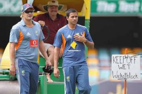 Six protocol breach by Aus cricketers in recent past: Reports