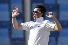 Graeme Swann is an intelligent spin bowler: Mushtaq