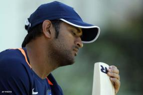 Quiet on controversies, Dhoni concentrating on new ODI rules