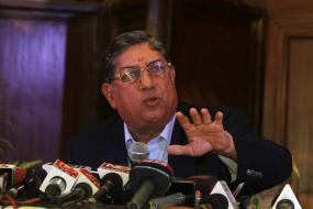 KSCA treasurer Venkatesh backs Srinivasan