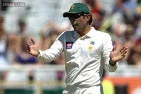 Former Pakistan players want Misbah, Whatmore removed