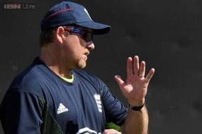 Aussie David Saker signs new England deal
