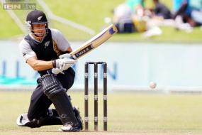 2nd ODI: Nathan McCullum fires New Zealand to victory over Sri Lanka