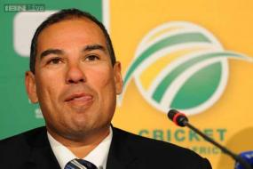 Russell Domingo to stick to seven batsmen in playing XI in Tests