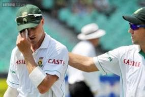 Dale Steyn upset by criticism from own fans, says AB de Villiers