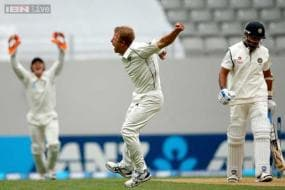 1st Test: NZ beat India by 40 runs after Dhoni's controversial decision
