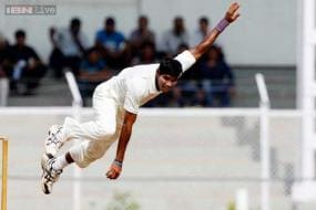 Ashok Dinda can play Tests for India in future: Waqar