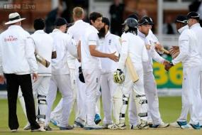 Sri Lanka survive dramatic session to save Lord's Test