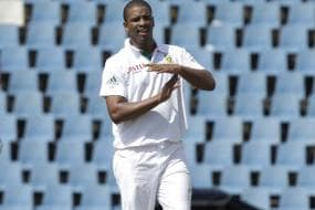 South Africa coach defends Philander in ball tampering row