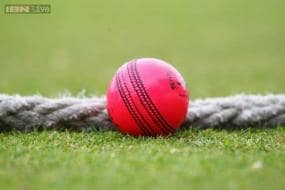 Players unconvinced by pink ball for day-night Tests