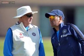 Dhoni has no business to decide Fletcher's future, says BCCI official