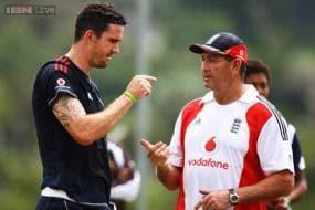 Graham Gooch rubbishes Kevin Pietersen allegations about Andy Flower, Matt Prior