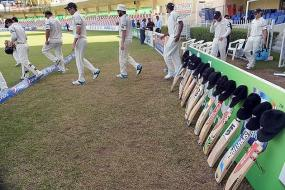 Allan Border wants first Test to be pushed back by 3 days