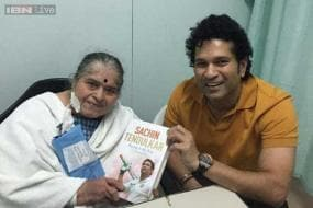 Sachin Tendulkar presents first copy of autobiography to mother