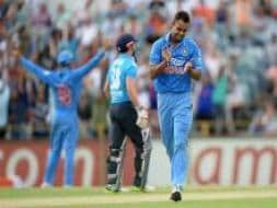 In pics: England vs India, Match 6, Tri-series