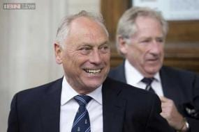 New ECB chairman Colin Graves mulls four-day Tests
