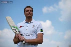 Martin Guptill stars for Derbyshire with double century