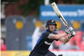 Elliott, Ronchi make the most in tour game against Leicestershire