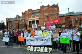 Oval protesters hit out at 'Big Three' world cricket takeover