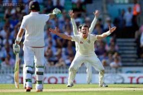 Centurion Steve Smith praises Australia bowlers